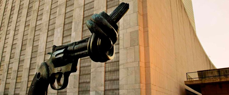 The Knotted Gun Sculpture by Swedish artist Carl Fredrik Reuterswärd on display in the UN Visitor's Plaza.